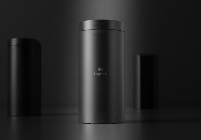 Logitech 网络摄影机的包装设计获得了 iF 产品包装设计金奖肯定