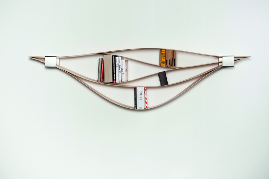creative-bookshelves-chuck-by-natascha-harra-frischkorn-chuck-by-natascha-harra-frischkorn-920x613
