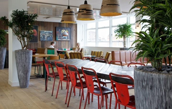 Nandos-office-by-Oktra-London-UK-03