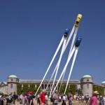 设计师Gerry Judah设计的保时捷主题雕塑