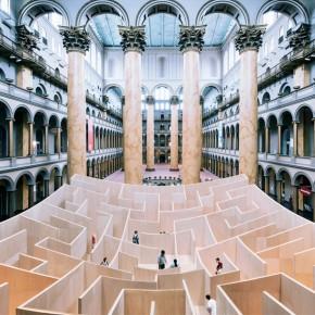 华盛顿国家建筑博物馆展出的巨型迷宫
