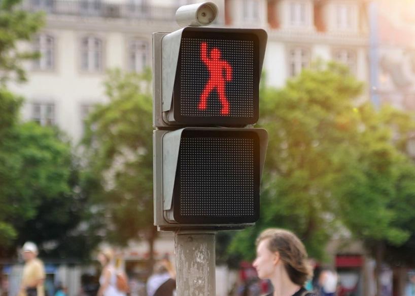 dancing-street-light-designboom-02