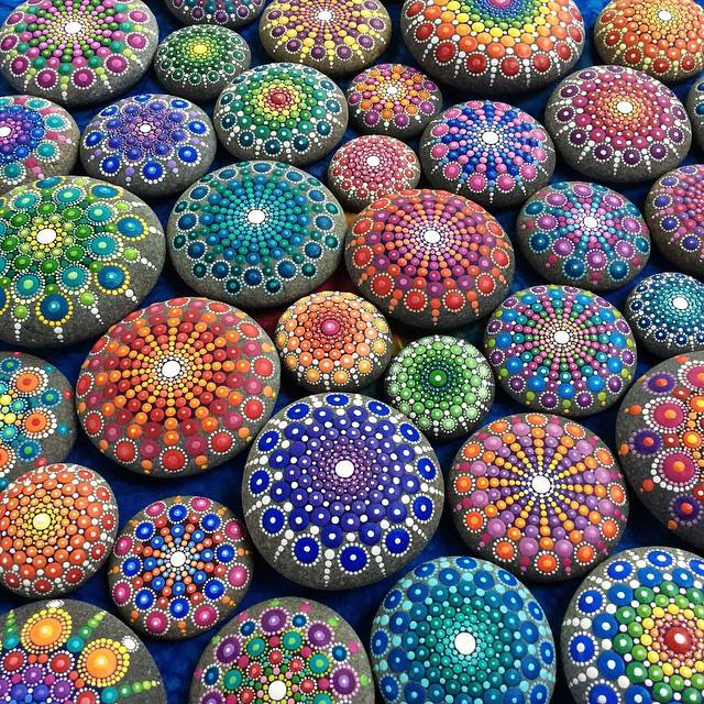 Ocean-Stones-Covered-in-Colorful-Tiny-Dots-hisheji (1)