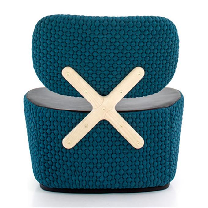 Richard-Hutten_X-Chair_Moroso-hisheji (1)