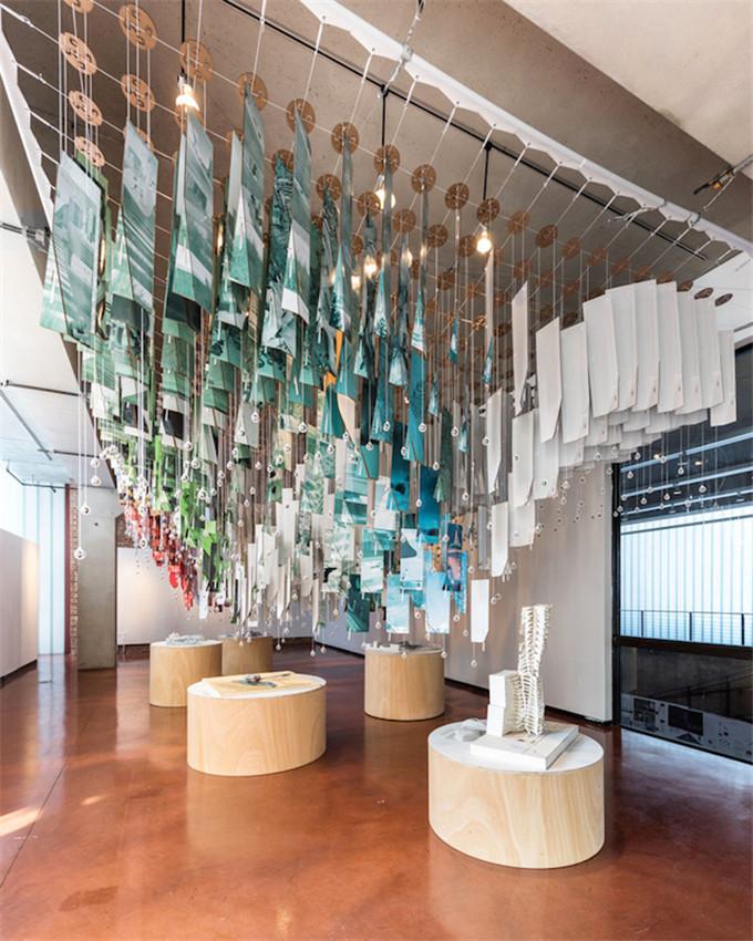 graduate-panel-installation-hisheji (14)