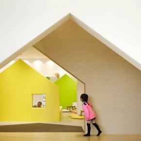 购物中心里的七彩儿童小屋