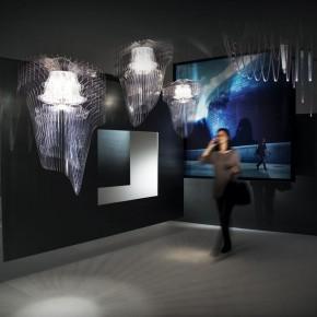 流动的光影游戏——扎哈的灯饰设计