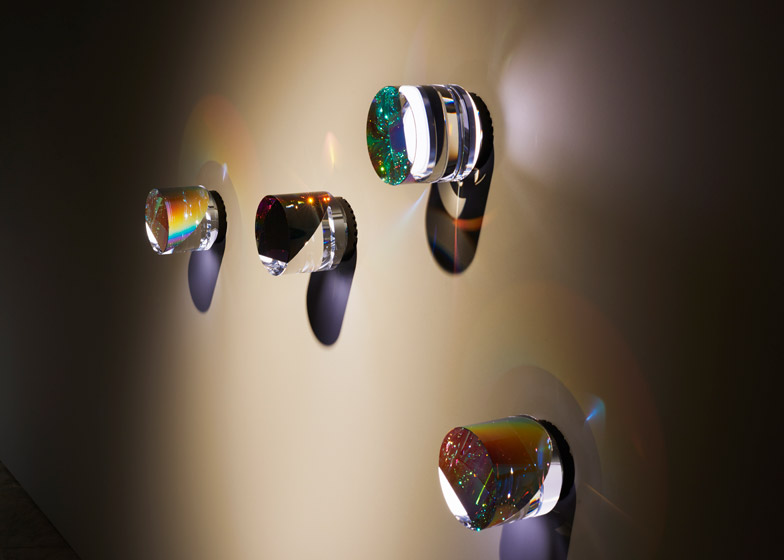 Swarovski-Designers-of-the-Future-Award-Commissions-hisheji (9)