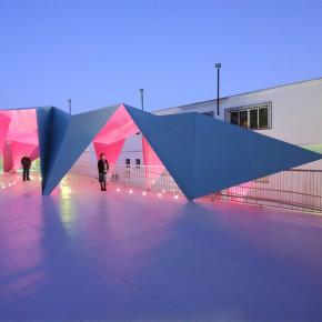 设计师Julio Barreno为孩子们打造的粉色操场