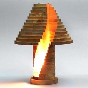 层层叠叠堆出来的台灯
