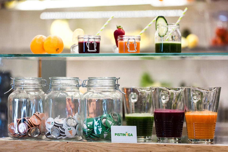 Pistinega-juice-bar-branding-hisheji (9)
