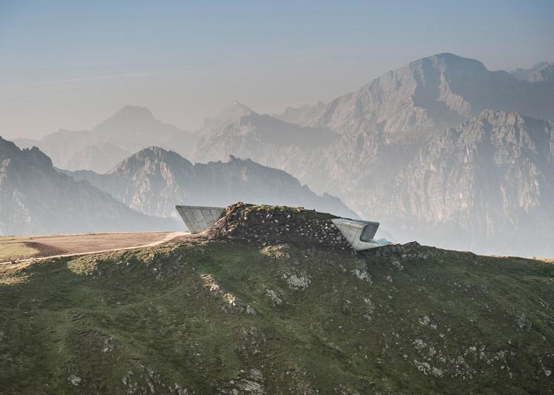 Zaha-Hadid-Architects-Messner-Mountain-Museum-hisheji (10)