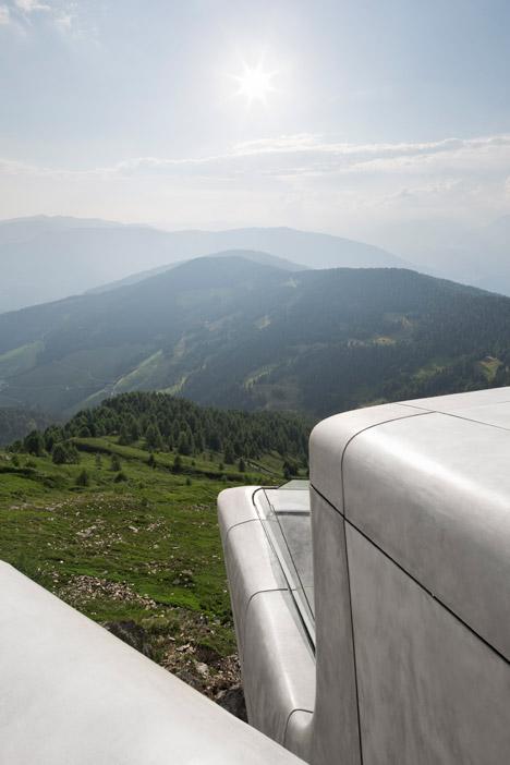 Zaha-Hadid-Architects-Messner-Mountain-Museum-hisheji (2)