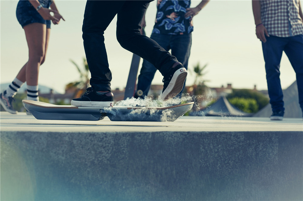 Lexus-Hoverboard-hisheji (1)