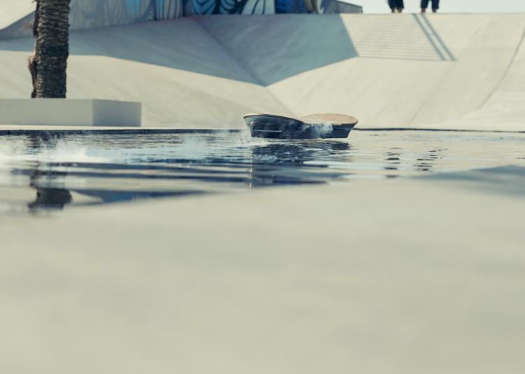Lexus-Hoverboard-hisheji (6)