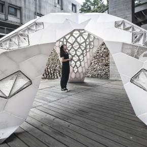 当服装走秀穿梭于世界最大的3D打印结构中