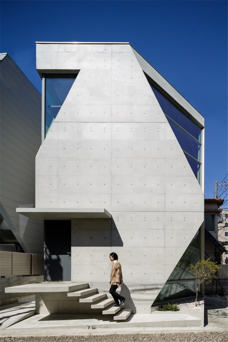 Atelier-Tekuto-concrete-house-hisheji (1)