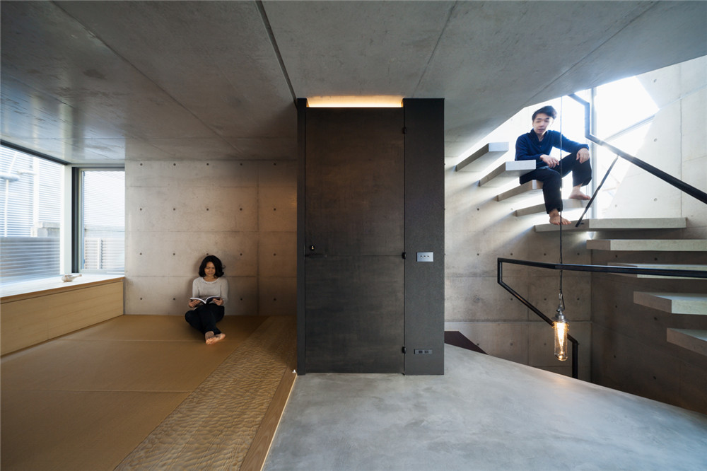Atelier-Tekuto-concrete-house-hisheji (10)
