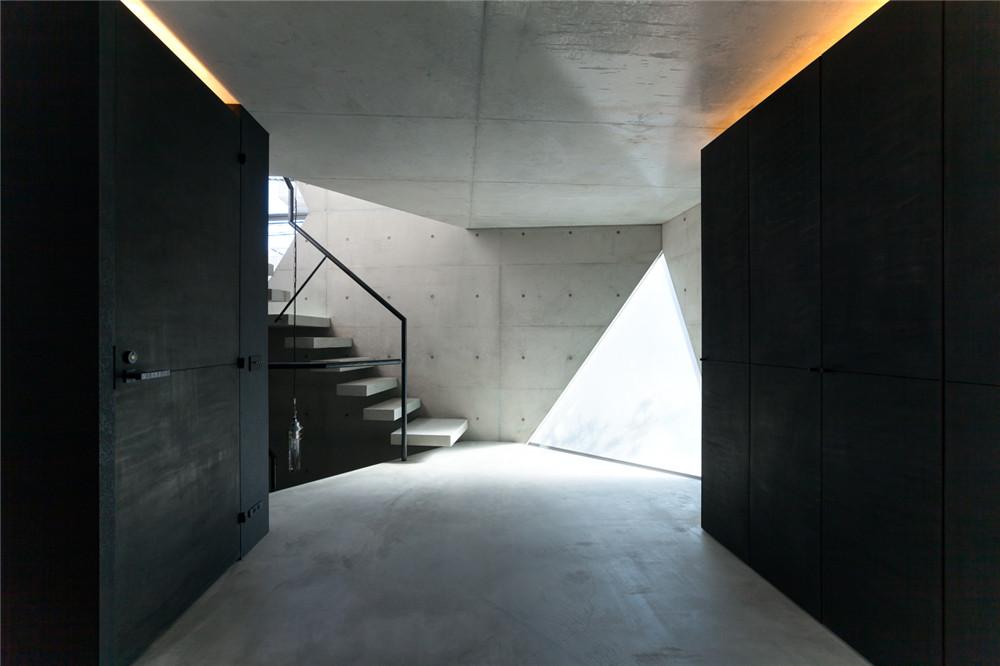 Atelier-Tekuto-concrete-house-hisheji (11)