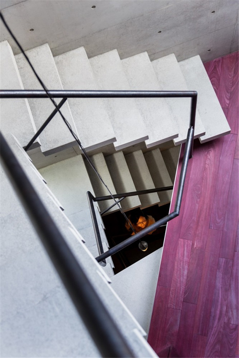 Atelier-Tekuto-concrete-house-hisheji (12)