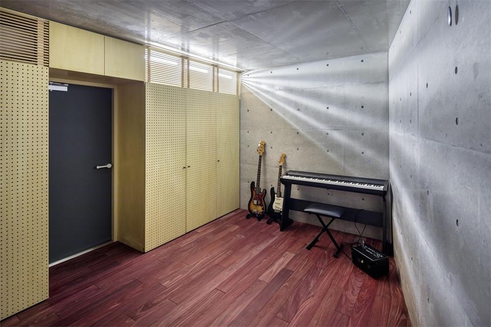 Atelier-Tekuto-concrete-house-hisheji (17)