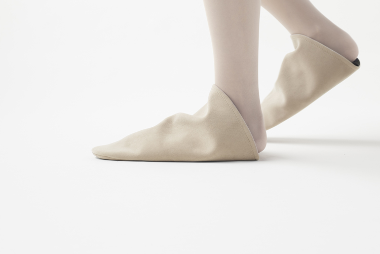 nendo-triangle-roomshoes-hisheji (7)