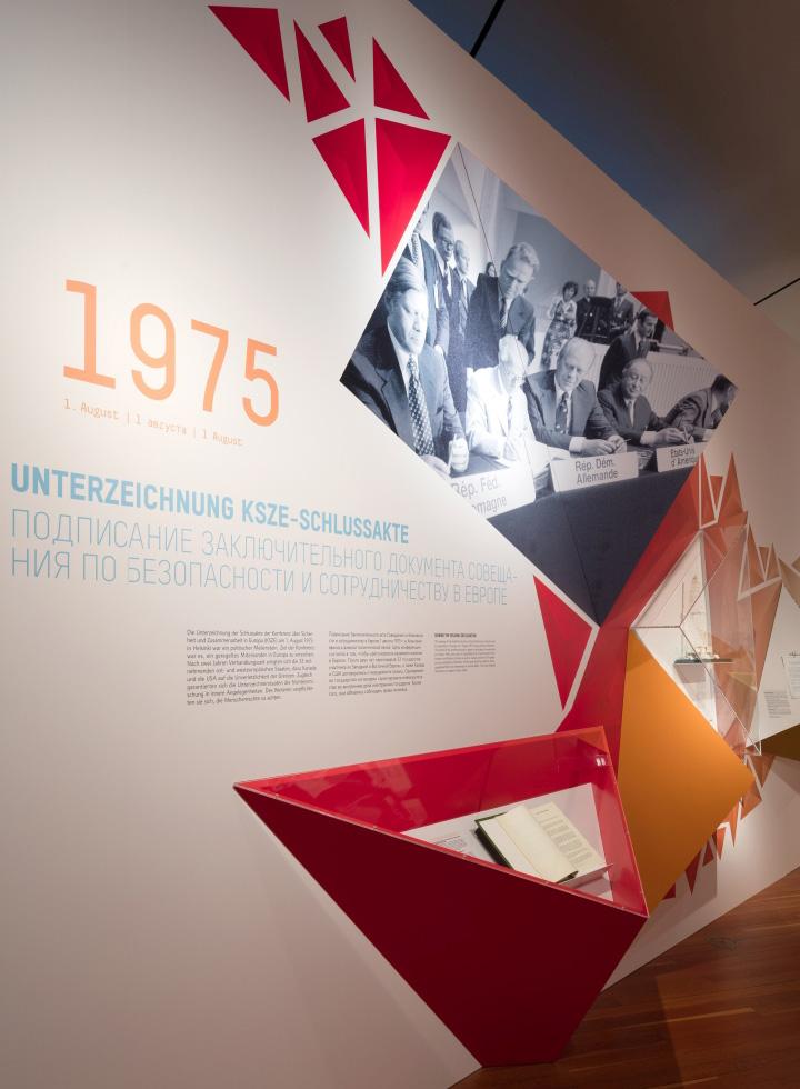 Russia-Germany-Exhibition-by-buroberlin-Berlin-Germany-12