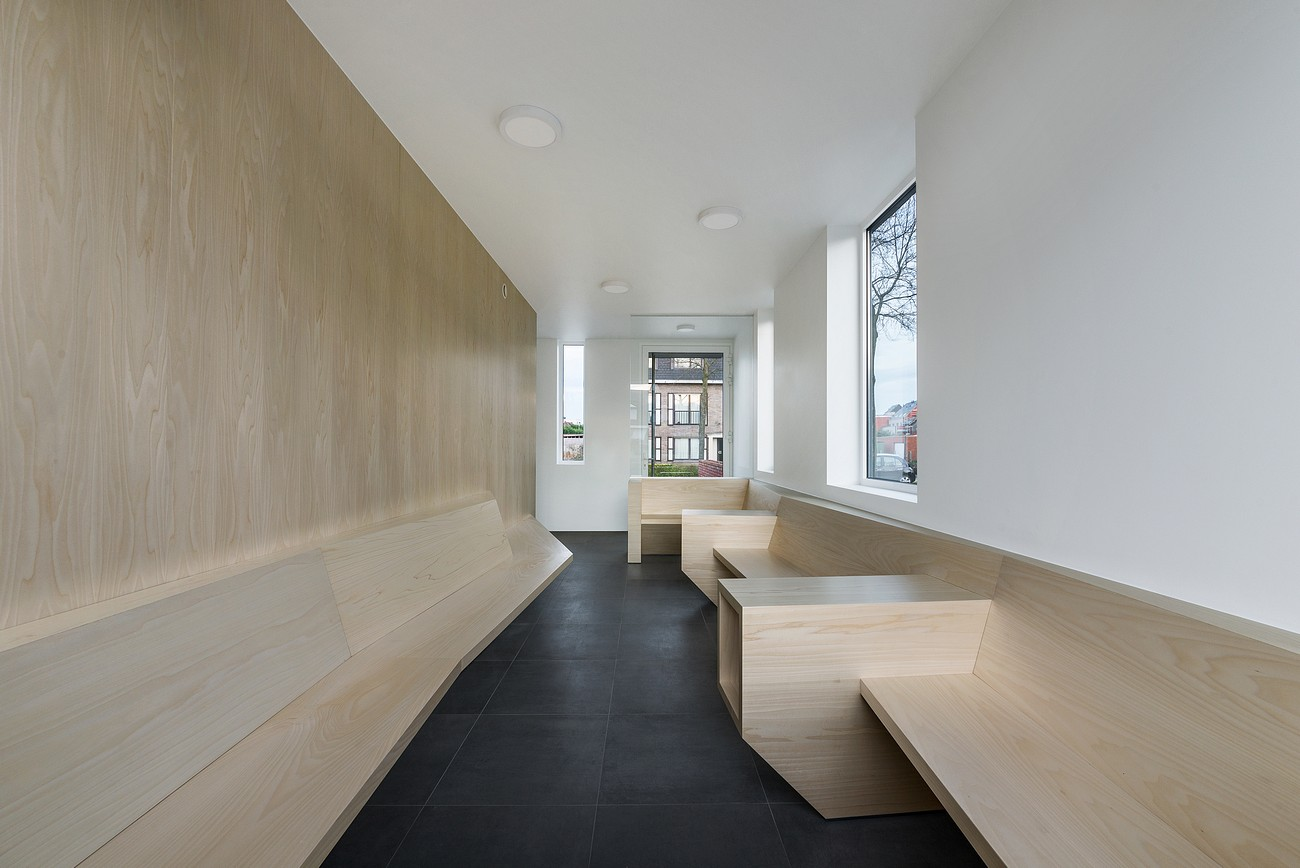 004-Medical-practice-De-Schuyter-by-Joshua-Florquin-Architect