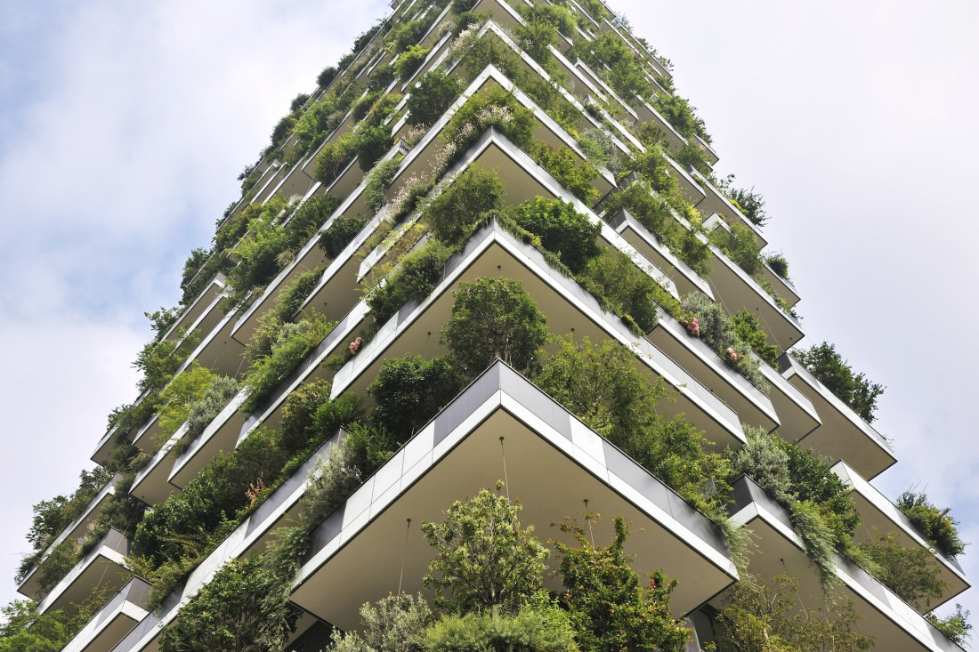 Bosco-Verticale-Boeri-Studio-CTBUH-award-winner-for-Europe-1100x733