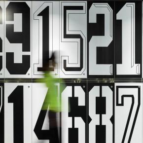 时代地产员工活动中心:黑白储物柜带来的极致美感