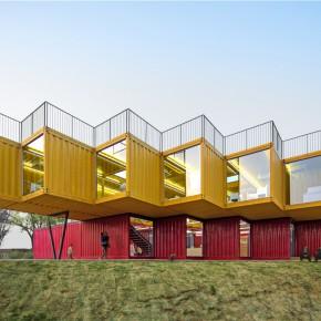 """众建筑的新项目""""叠装叠"""" Container Stack Pavilion"""