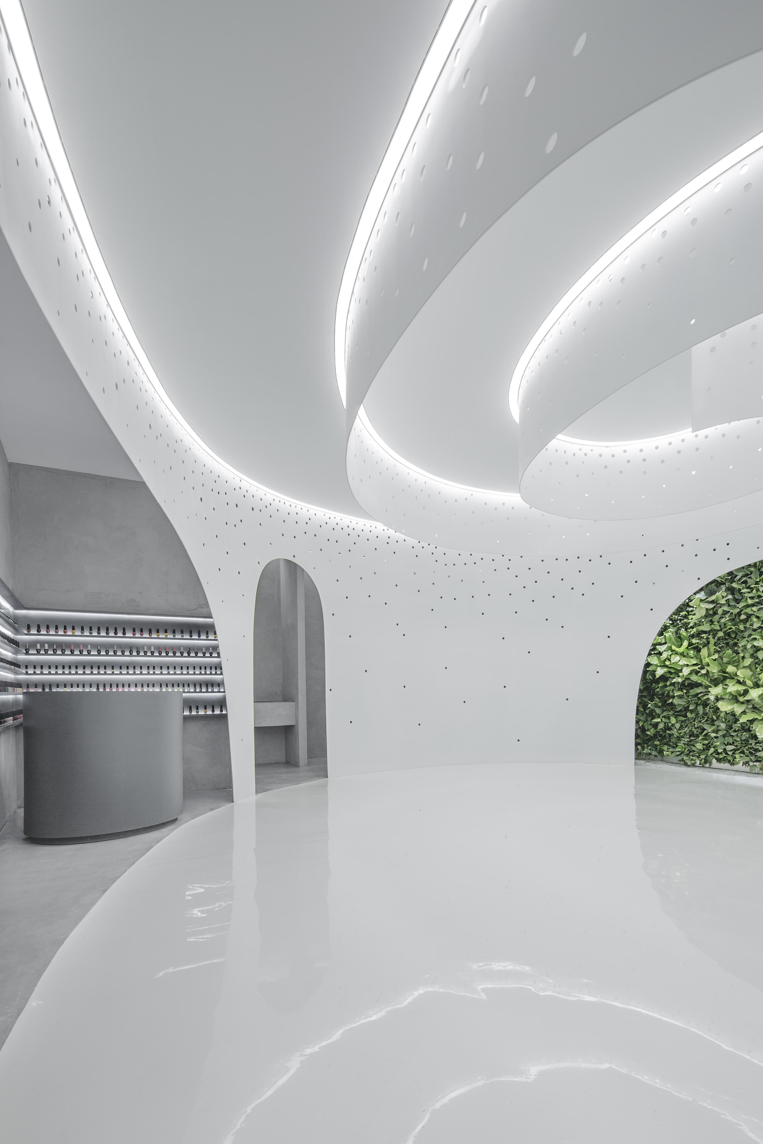 004 Interior  (1)