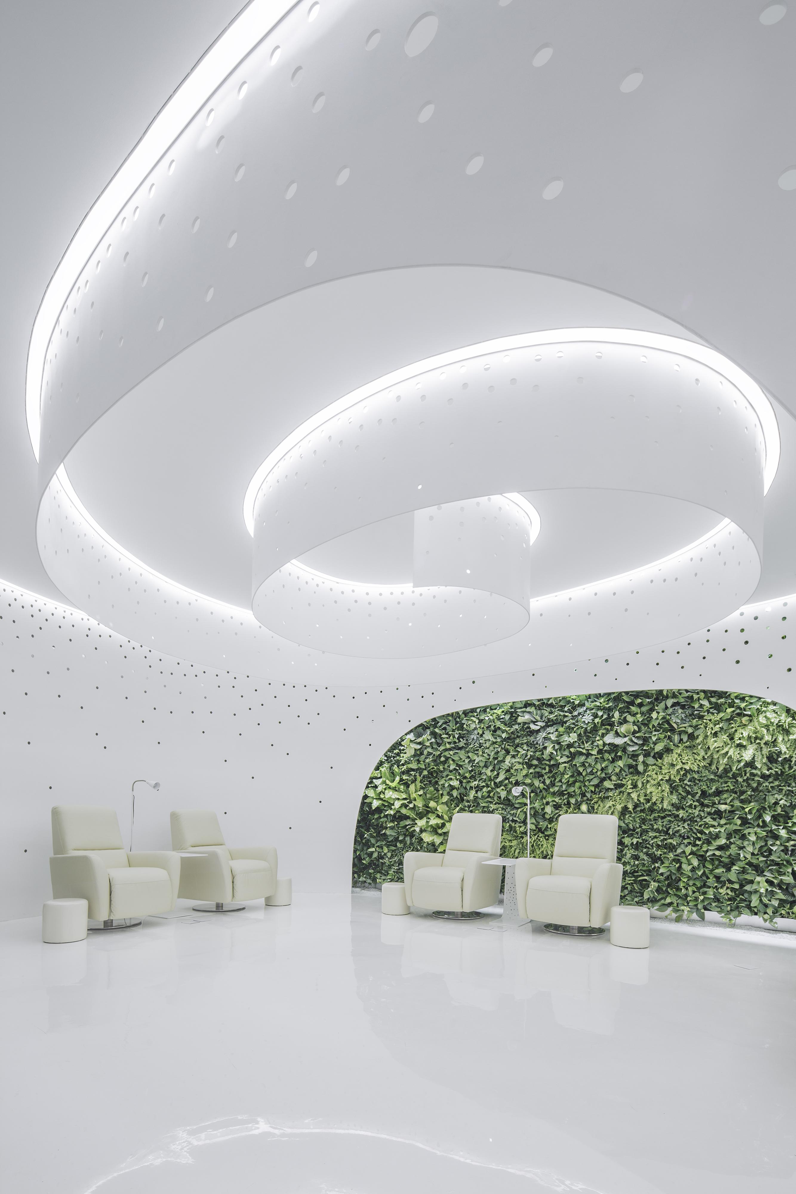 005 Interior