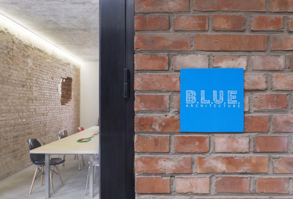 B.L.U.E.-01-office-960x652