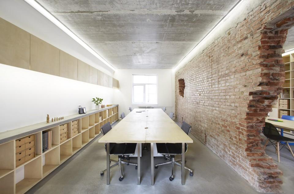 B.L.U.E.-04-office-960x635