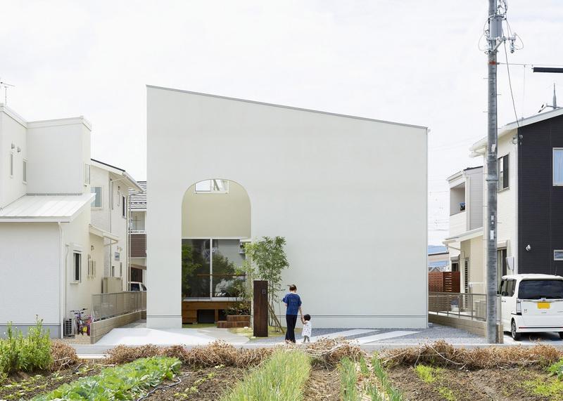 拱门让这栋105平米的房子变得意韵横生 | Hi设计