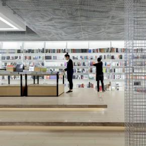 成都这家超有科技感的书店,分分钟带你漫游太空