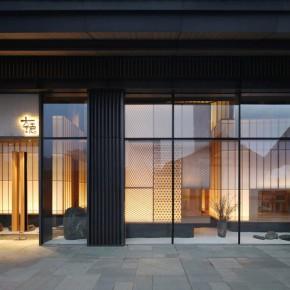 odd:六个积木盒子堆积的高级寿司料理店
