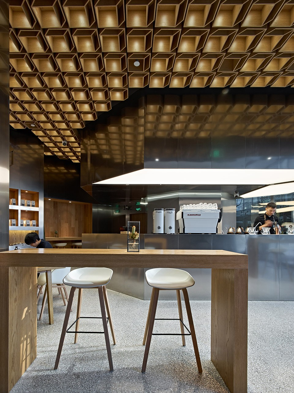02-GREYBOX-COFFEE-in-Beijing-Kerry-Center-by-Fangshi-Design-960x1286