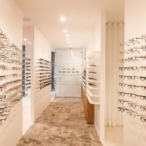 精美如画廊的眼镜店设计