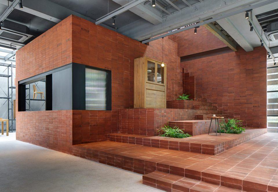 9-stairs2_UTT-HOME_Mr_MAIMAi_Bob-Chen-960x664