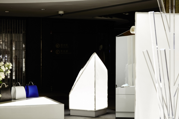 Sugar-Lady-Pop-up-store-by-PRISM-DESIGN-Shanghai-China-06
