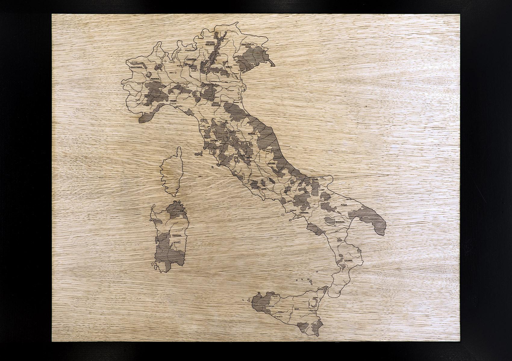 013-Wineshop-Clad-with-2100-Engraved-Oak-Panels (1)