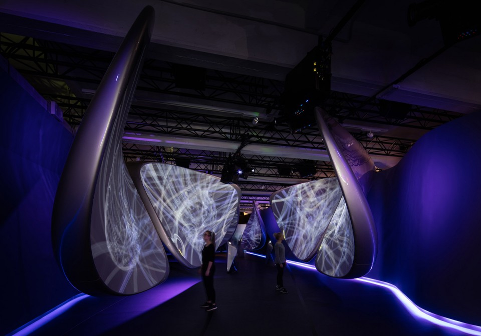 2Unconfined-By-Zaha-Hadid-Architects-002-960x672