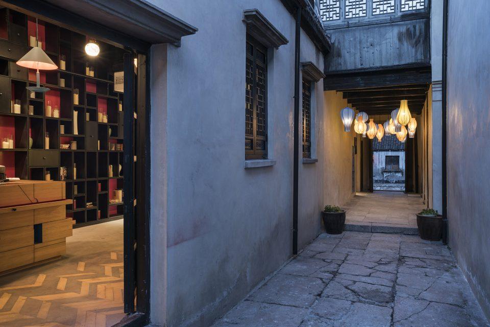 0020-Nanxun-Blossom-Hill-Boutique-Hotel-Qiu-Shu-Li-By-Dariel-Studio-960x640 (1)