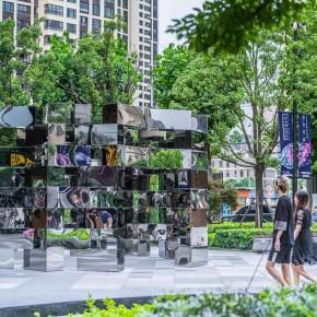 DesignLAB:他用镜子跟这个城市做了个互动