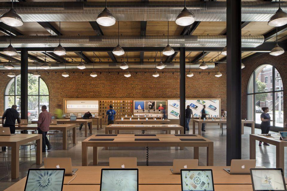 16-Apple-Store-Williamsburg-By-Bohlin-Cywinski-Jackson-960x640