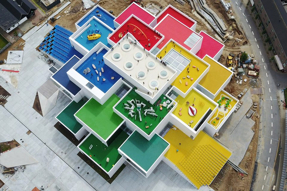 2-Lego-House-Billund-by-BIG-960x640