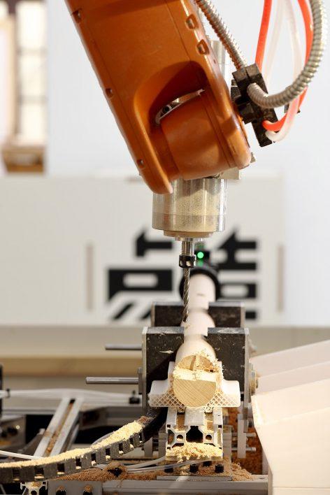 Kuka-robot-station_03_dot-make-popup-store_dot-architects-1-472x708