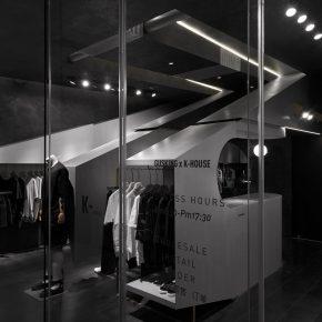 他用40平米打造了一家服装店,却没留试衣间